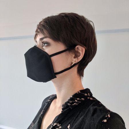 Masque réutilisable crêpe noir small (attache aux oreilles)
