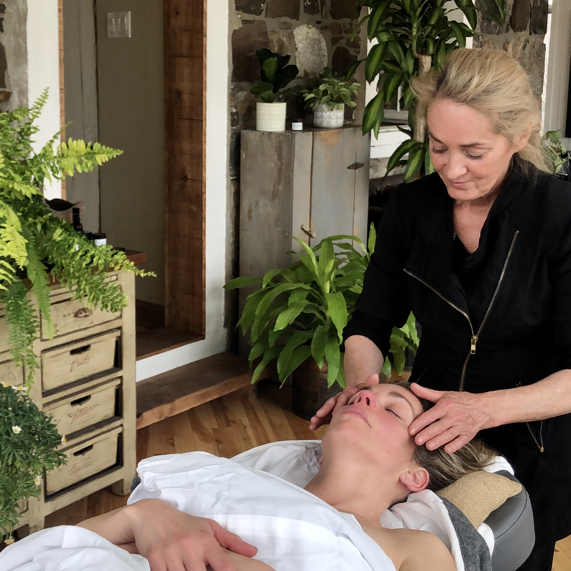 Anti-aging massage for wrinkles